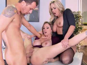 Julia Ann and blonde Olivia Austin fucking the same man