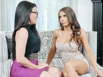 Kissa Sins and Madison Ivy: Wet And Waiting